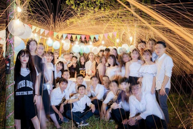 Nhóm học sinh Quảng Ngãi tố thợ ảnh vô trách nhiệm, chụp mờ nhòe nhưng lấy 8 triệu - Ảnh 3