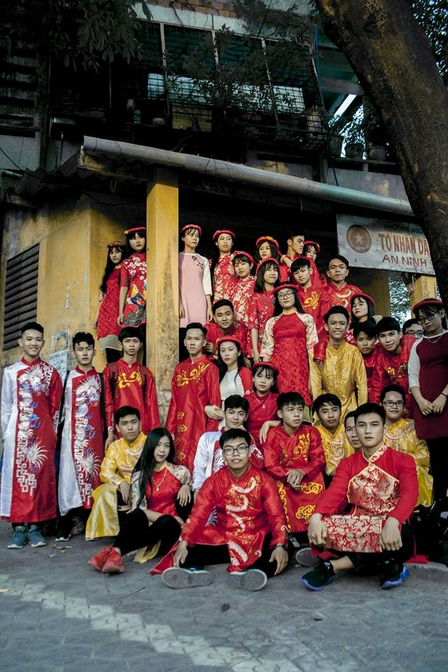 Nhóm học sinh Quảng Ngãi tố thợ ảnh vô trách nhiệm, chụp mờ nhòe nhưng lấy 8 triệu - Ảnh 4