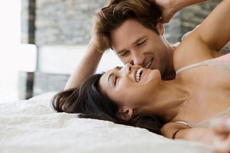 Co giật là một trong những biểu hiện kỳ lạ ở phụ nữ khi đạt cực khoái