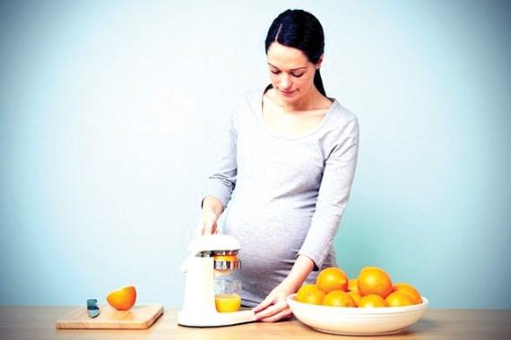 Tác dụng thần kỳ của vitamin C với mẹ bầu - Ảnh 1