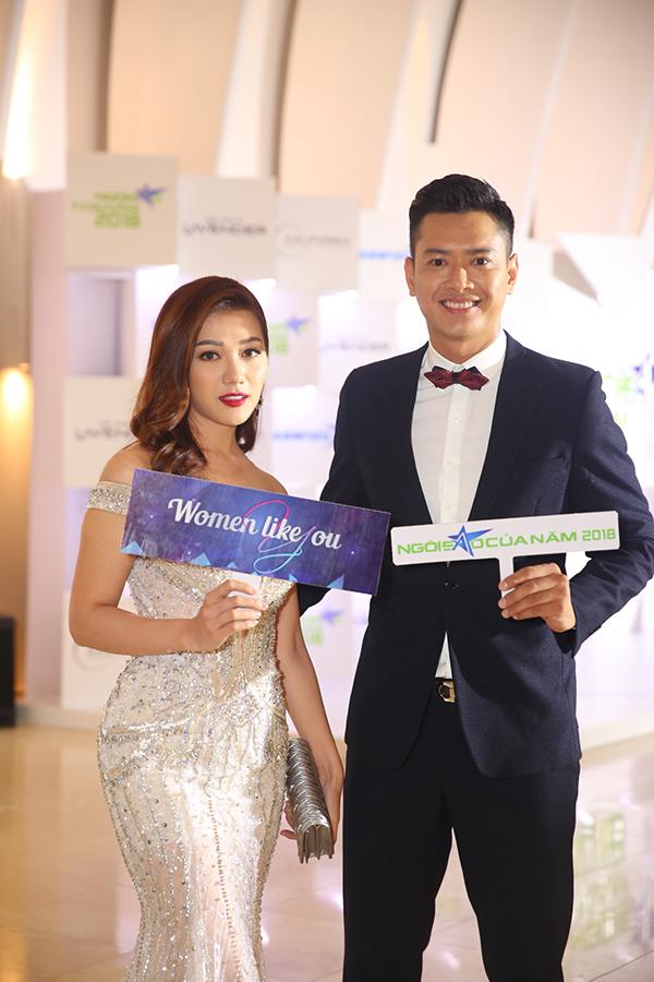 Hoa hậu H'Hen Niê xuất hiện kiêu sa 'lấn át' dàn mỹ nhân Vbiz - Ảnh 14