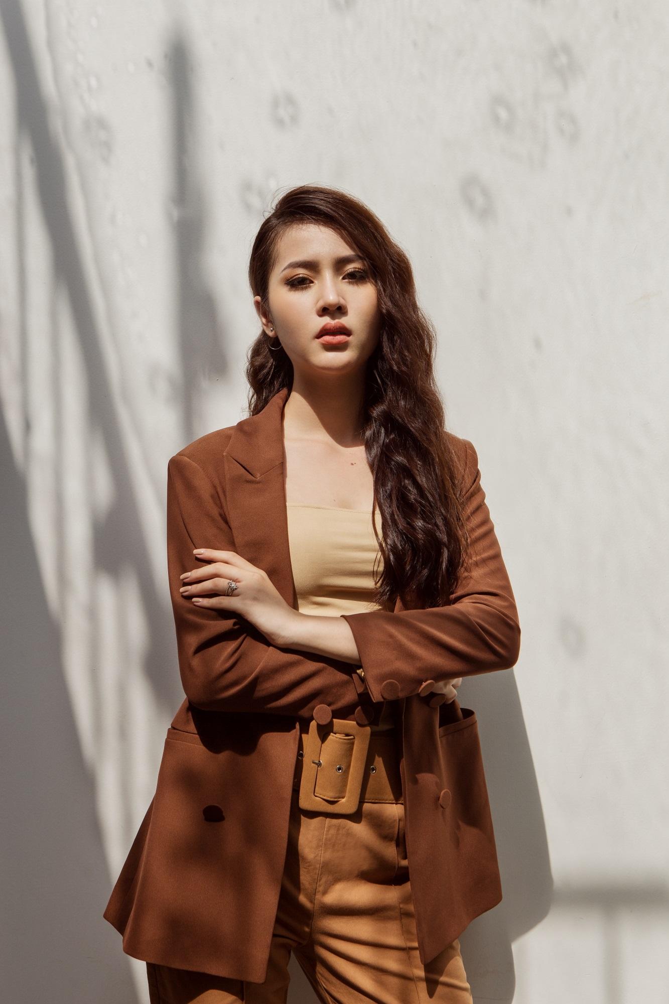 Hoa hậu Biển Kim Ngọc 'tái xuất' với hình ảnh quý cô thanh lịch đầy cuốn hút - Ảnh 10