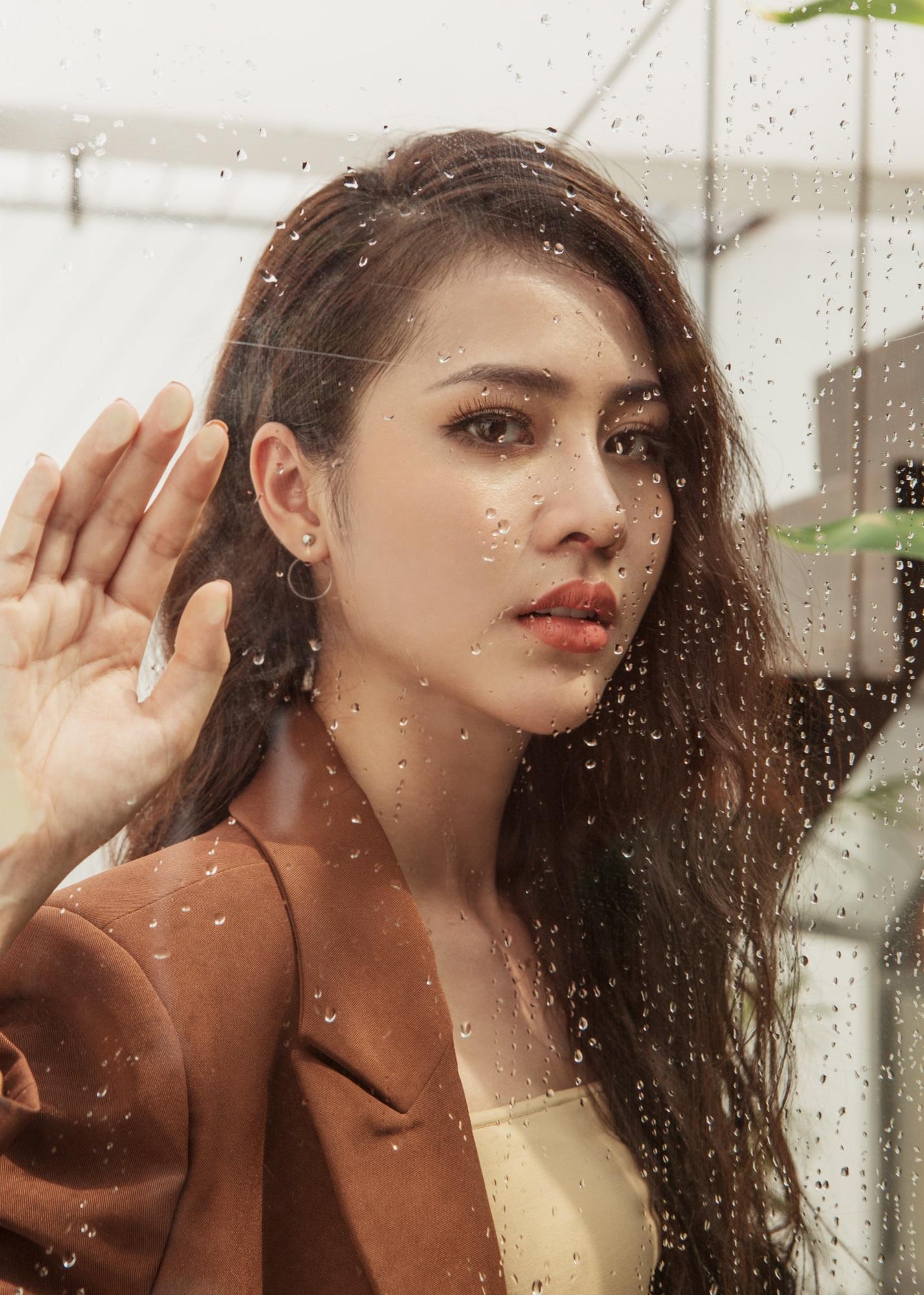 Hoa hậu Biển Kim Ngọc 'tái xuất' với hình ảnh quý cô thanh lịch đầy cuốn hút - Ảnh 11