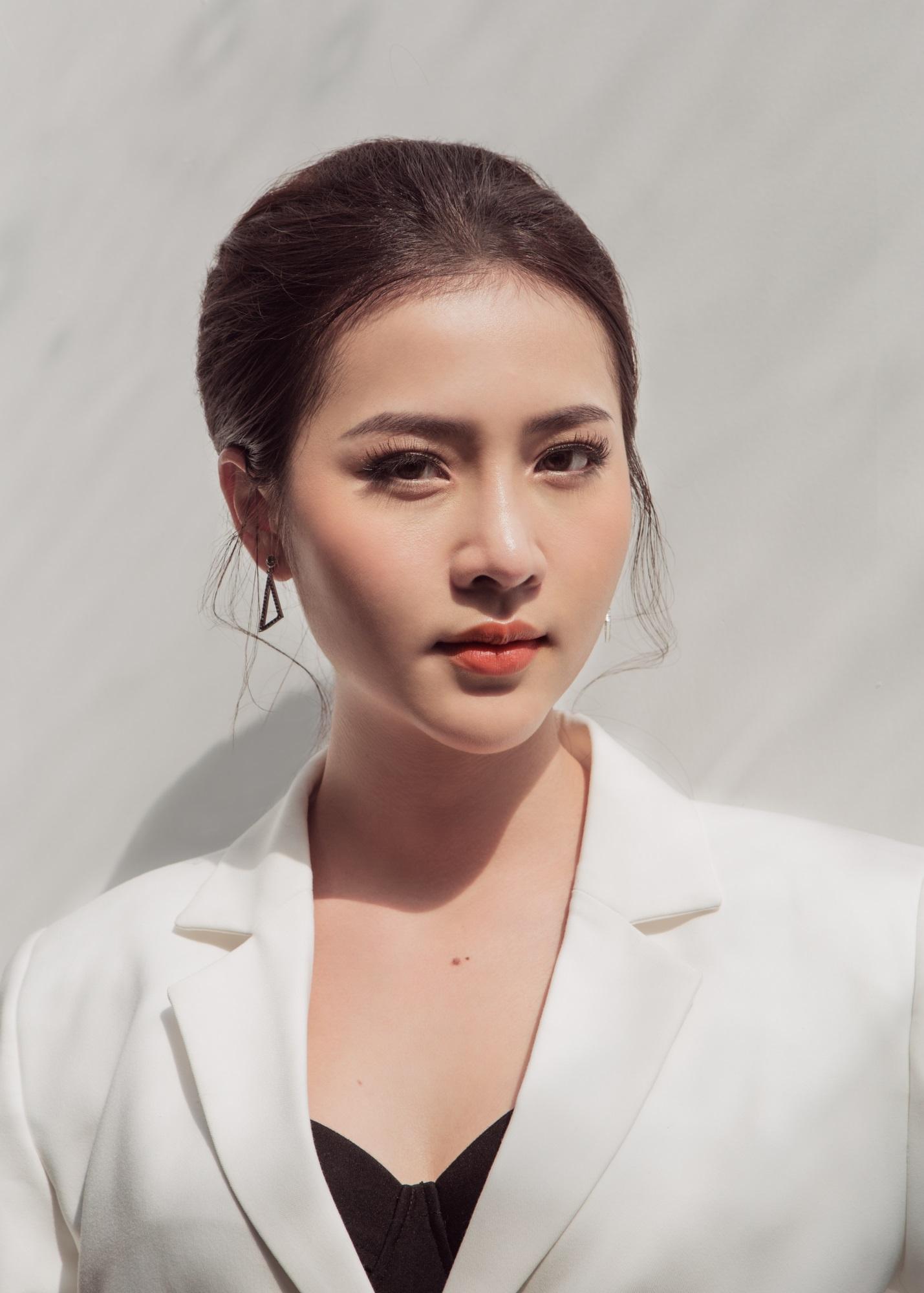 Hoa hậu Biển Kim Ngọc 'tái xuất' với hình ảnh quý cô thanh lịch đầy cuốn hút - Ảnh 13