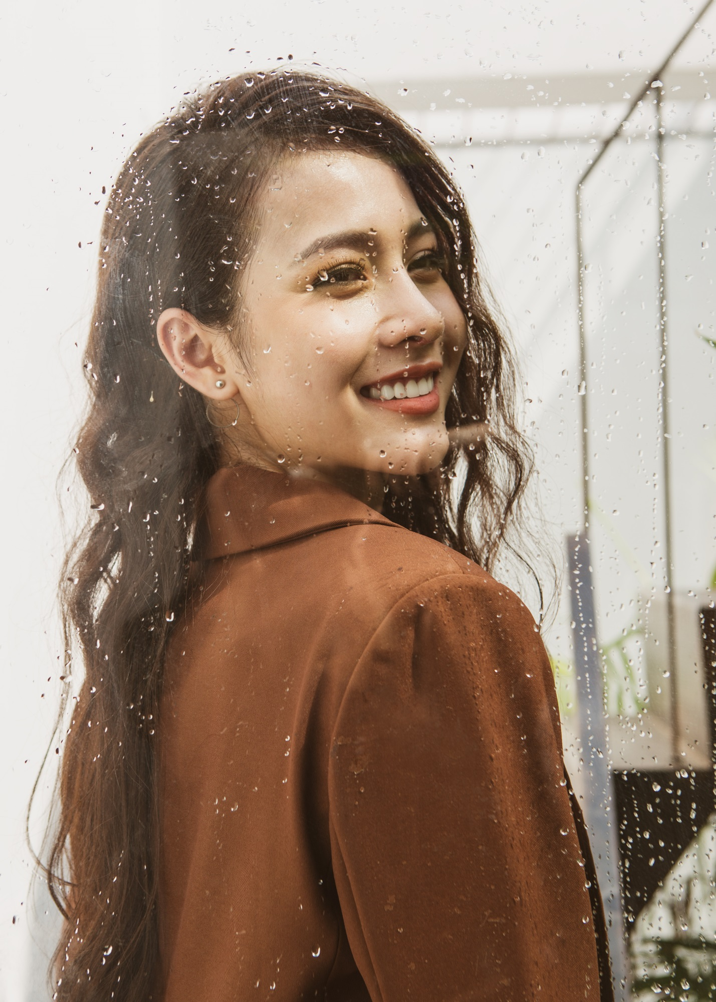 Hoa hậu Biển Kim Ngọc 'tái xuất' với hình ảnh quý cô thanh lịch đầy cuốn hút - Ảnh 3