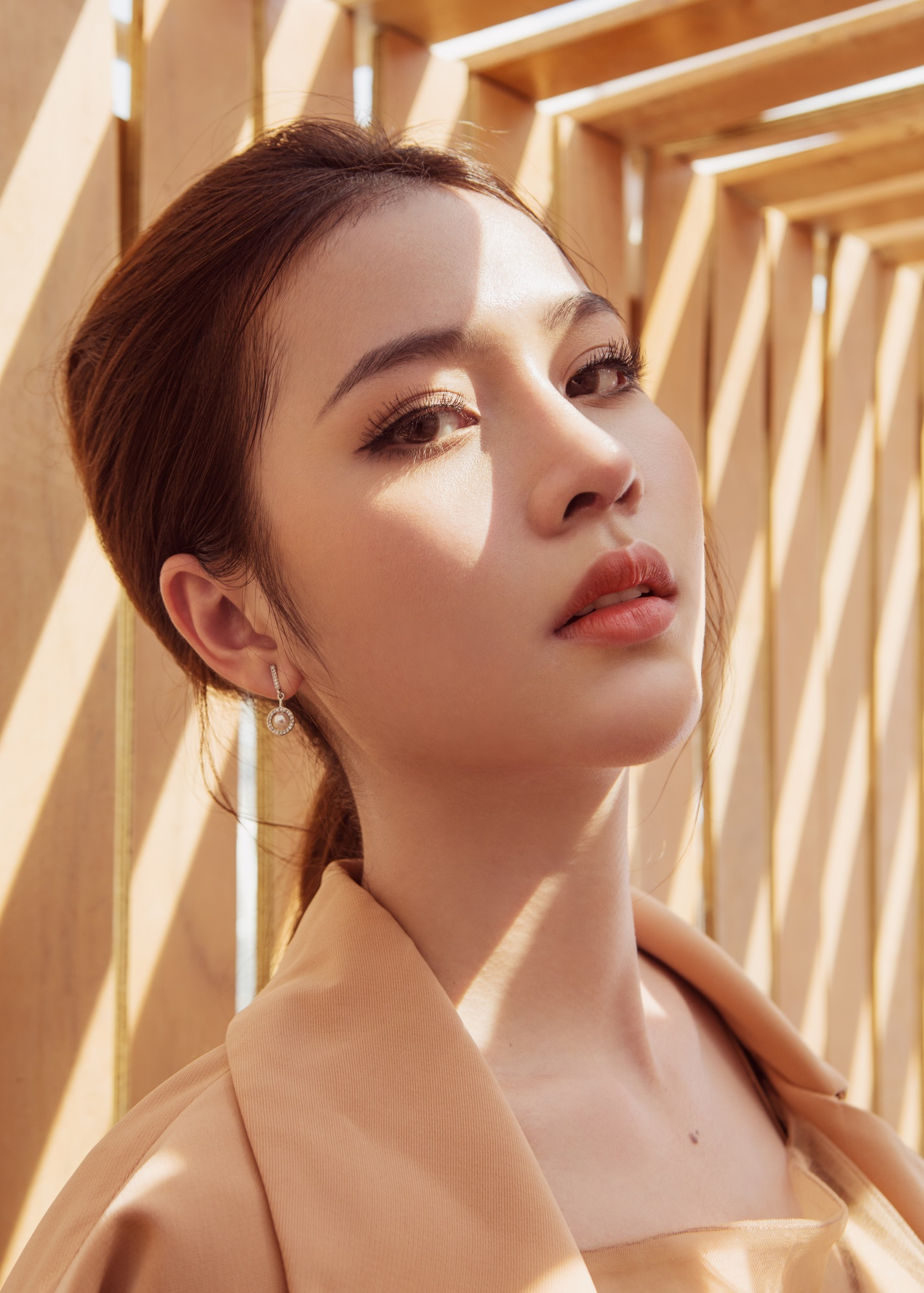 Hoa hậu Biển Kim Ngọc 'tái xuất' với hình ảnh quý cô thanh lịch đầy cuốn hút - Ảnh 4