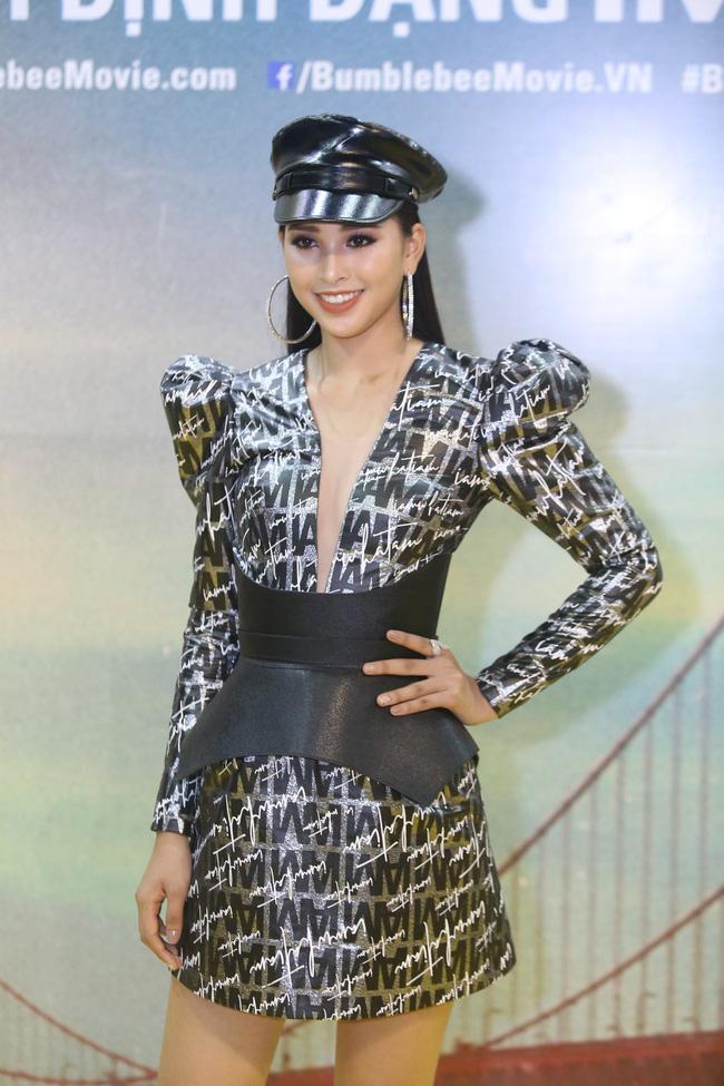 Khác với hình ảnh nhẹ nhàng lúc mới đăng quang, hoa hậu Tiểu Vy 'hầm hố' với style cá tính  - Ảnh 5