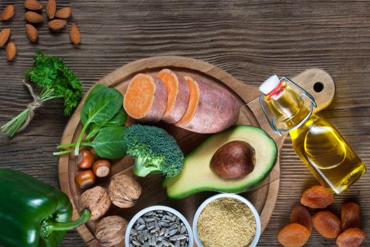 8 chất dinh dưỡng không thể thiếu trong bữa ăn hàng ngày để tăng cường sức khỏe tình dục - Ảnh 3