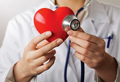 Cách tốt nhất làđi khám sức khỏe định kì để lọc ra yếu tố nguy cơ của bệnh tim mạch do xơ vữa và điều trị kịp thời