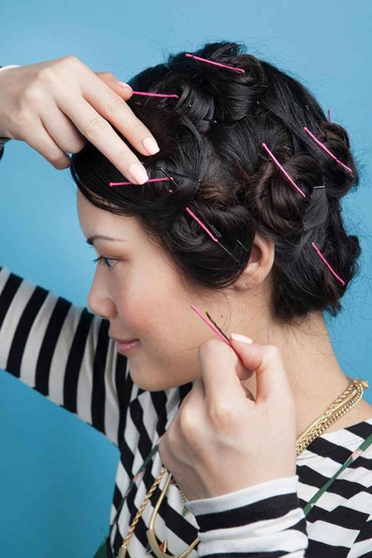 Làm tóc xoăn tự nhiên không cần dụng cụ với kẹp tăm
