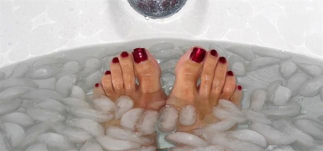 Vì sao vào mùa lạnh, nhiều người tử vong khi tắm? - Ảnh 1