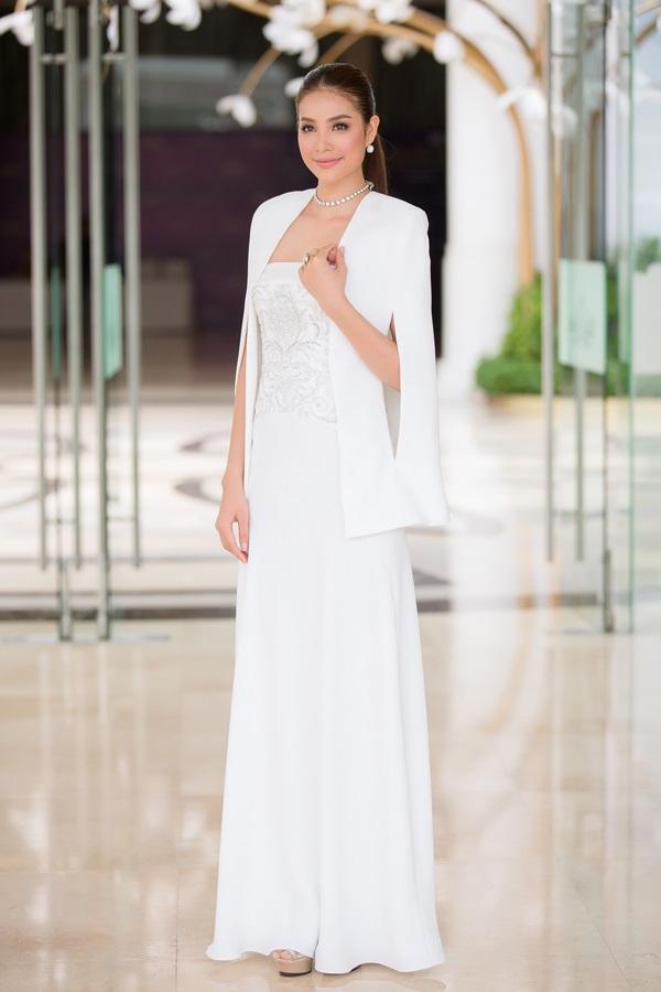 Áo cape - Biến tấu cho mùa đông lạnh giá của mỹ nữ Việt - Ảnh 7