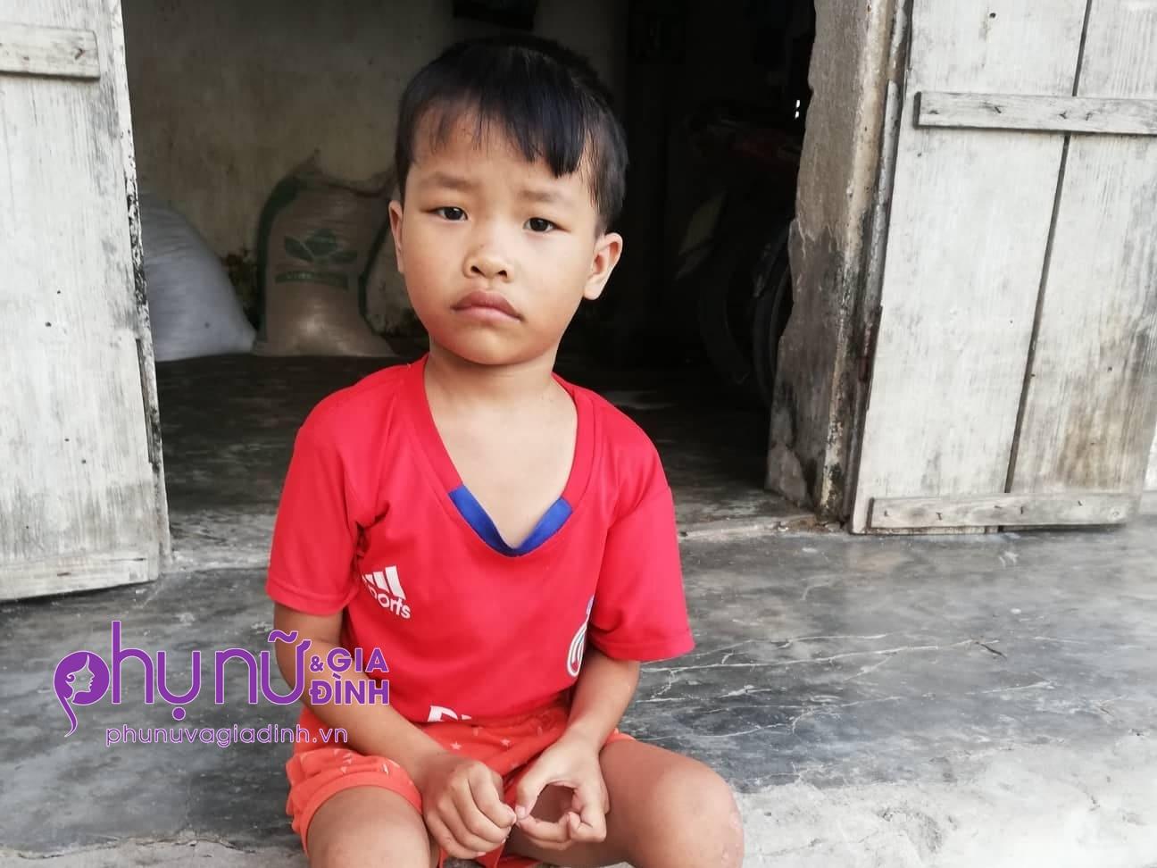 Không cha, mẹ bỏ đi biệt tích, bé gái 5 tuổi chưa được làm giấy khai sinh, chưa được đặt tên, tương lai mịt mù - Ảnh 1