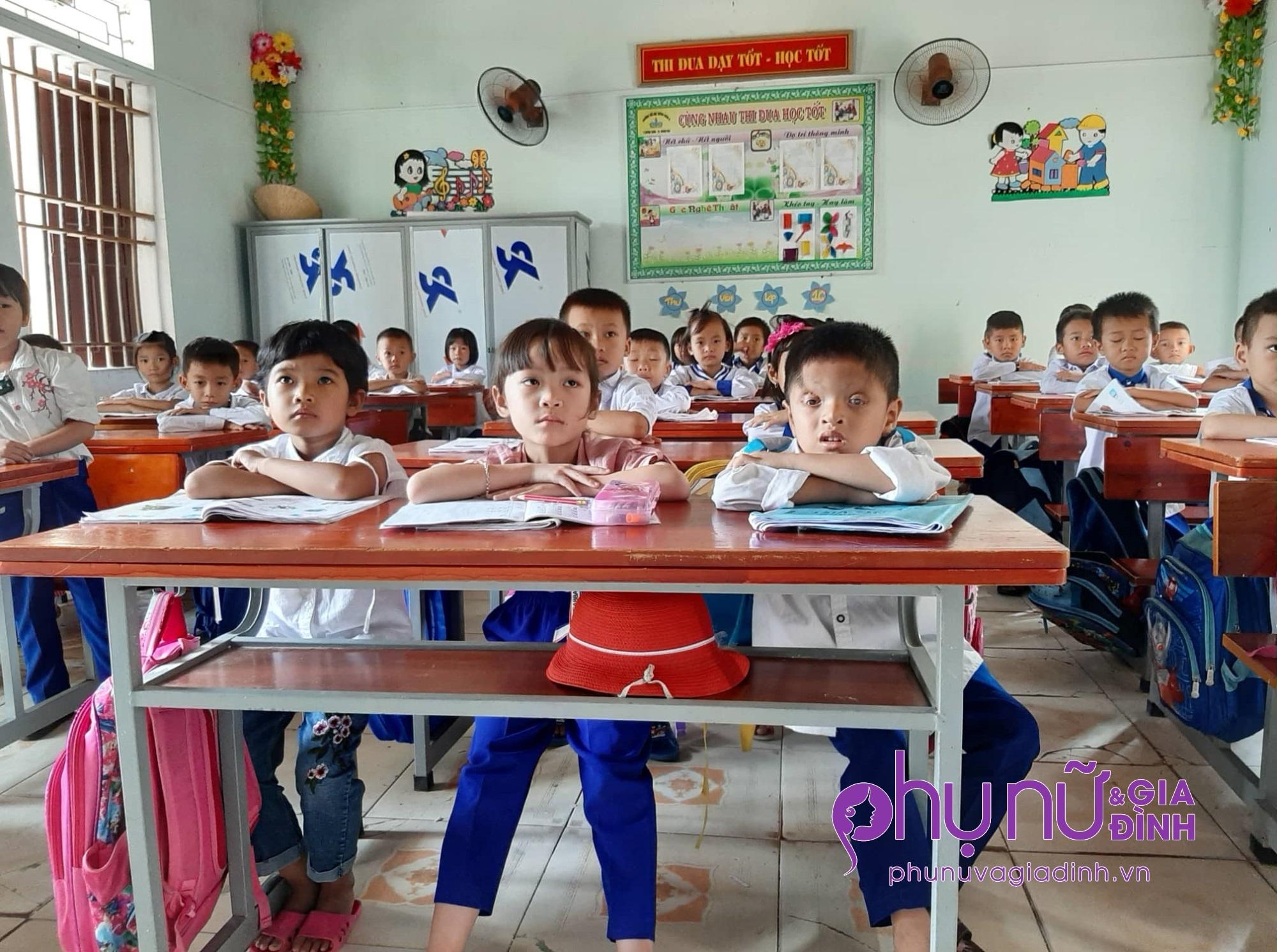 Nghị lực sống phi thường và khát vọng đến trường của cậu bé 6 tuổi có đôi mắt chỉ nhìn thấy 2% ánh sáng - Ảnh 5