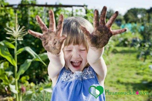 Lợi ích bất ngờ về sức khỏe khi trẻ em 'được' nghịch bẩn  - Ảnh 1