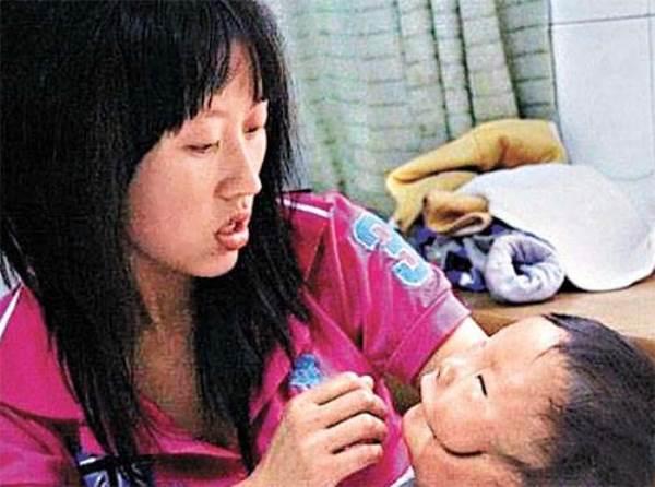 """Siêu âm đều đặn, bà mẹ trẻ vẫn khóc nghẹn khi sinh con """"2 mặt"""" - Ảnh 4"""