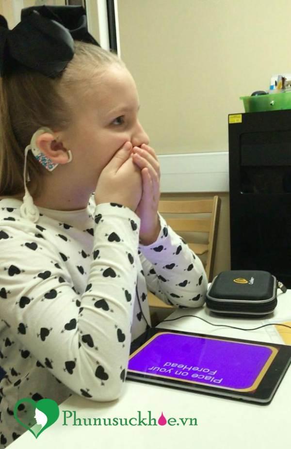 Mất đi thính giác suốt 4 năm, cô bé 8 tuổi bỗng nghe được nhờ vào điều này - Ảnh 3