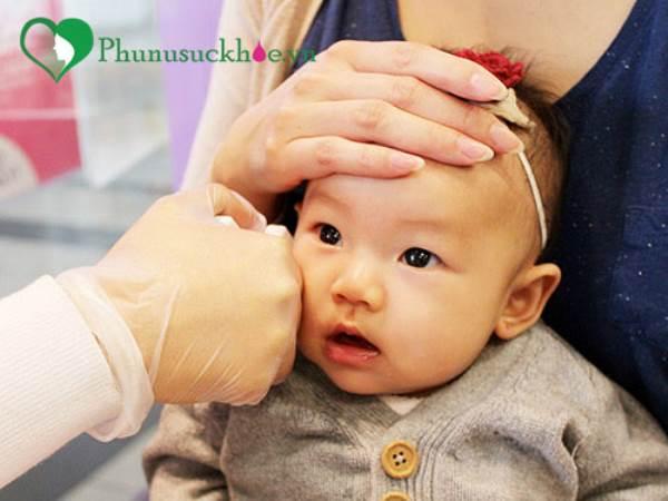 Bấm lỗ tai cho trẻ sơ sinh và những mối nguy khôn lường mẹ nên biết - Ảnh 3