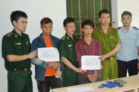 16 tuổi đã ôm 2.000 viên ma túy và heroin vào Việt Nam - Ảnh 1