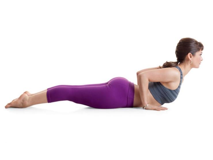 Modified Cobra là bài tập giảm cân sau khi sinh mổ rèn luyện cơ bụng dưới cho các mẹ