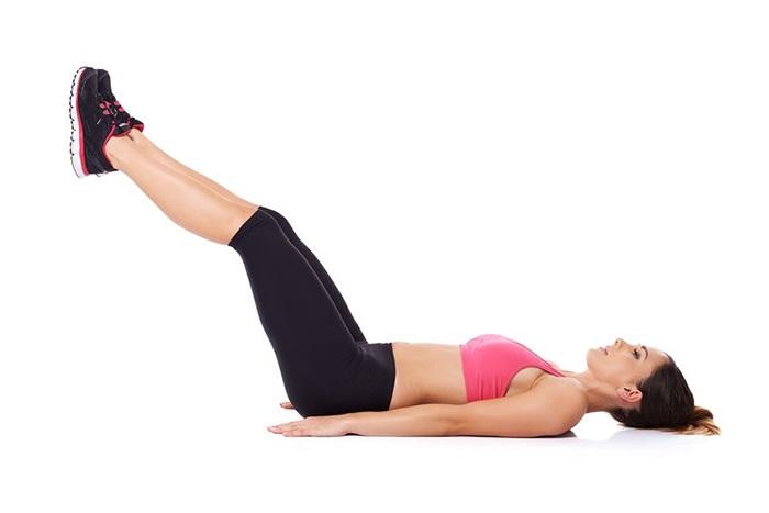 Bài tập làm se khít vùng kín bằng cách nâng chân