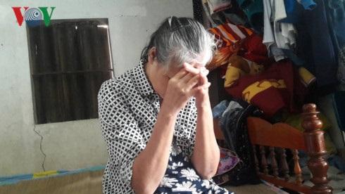 Lời trần tình của bảo mẫu dùng gối úp vào mặt, đánh tới tấp lên người bé 5 tháng tuổi: 'Chỉ lỡ tay lắc cháu' - Ảnh 1