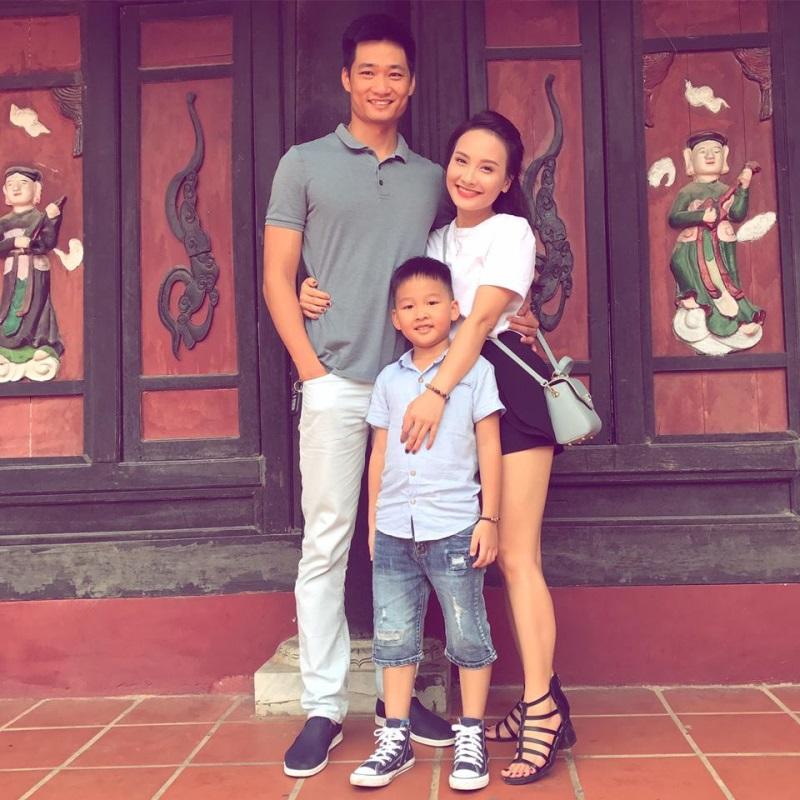Bảo Thanh vui vẻ đi chơi cùng chồng sau scandal 'thả thính' - Ảnh 2