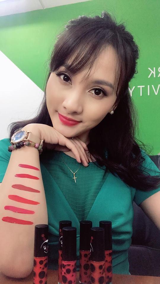 Loạt mỹ nhân Việt kiếm bộn tiền nhờ quảng cáo mỹ phẩm rầm rộ trên Facebook - Ảnh 1