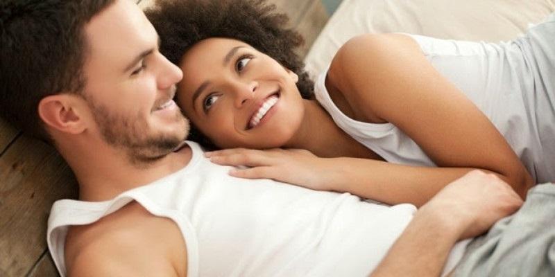 Bắt gặp chồng xem phim đen vợ bỗng sợ gần gũi - Ảnh 2