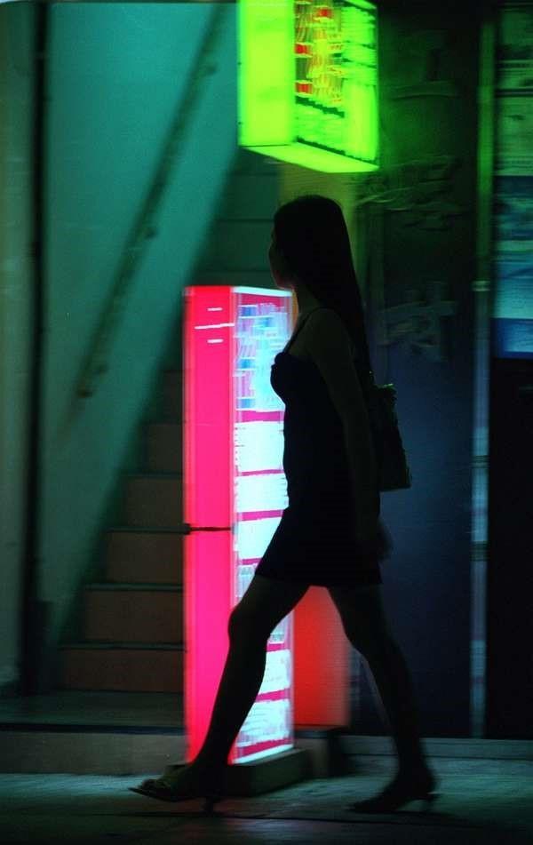 Gái bán dâm hé lộ cuộc sống ở quán bar Hong Kong - Ảnh 2