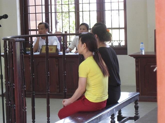 Vụ bé 1 tuổi tử vong do sặc cháo ở trường mầm non: 32 tháng tù dành cho 2 cô giáo - Ảnh 1