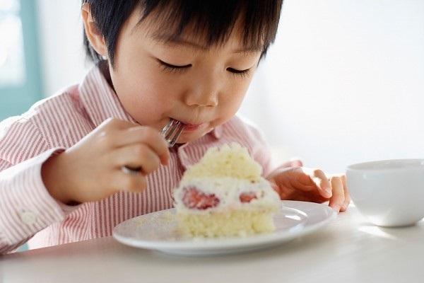 Bé ăn nhưng không tăng cân: Cần 'soi' thêm 4 yếu tố khác - Ảnh 1