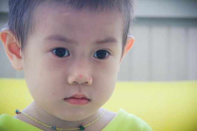 Bé trai 2 tuổi bị bỏ rơi ở cổng BV Từ Dũ: Để bé lại Sài Gòn ít hôm hi vọng gia đình đến đón - Ảnh 11
