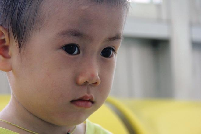Bé trai 2 tuổi bị bỏ rơi ở cổng BV Từ Dũ: Để bé lại Sài Gòn ít hôm hi vọng gia đình đến đón - Ảnh 13