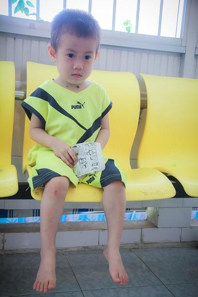 Bé trai 2 tuổi bị bỏ rơi ở cổng BV Từ Dũ: Để bé lại Sài Gòn ít hôm hi vọng gia đình đến đón - Ảnh 7