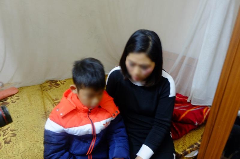 Bé trai 9 tuổi bị bố đánh đập dã man nhiều năm: 'Cháu khóc xin nhưng bố vẫn đánh, còn cầm dao ra dọa' - Ảnh 2