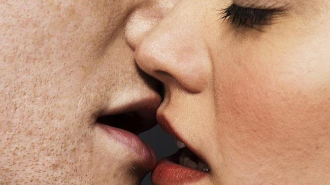 Bệnh tình dục lây qua đường miệng có thể gây ung thư - Ảnh 1