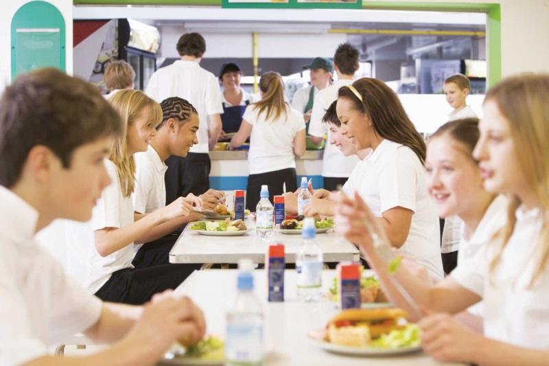 Bệnh tật đầy người vì thói quen ăn trưa mà 90% người làm văn phòng đều mắc phải - Ảnh 2