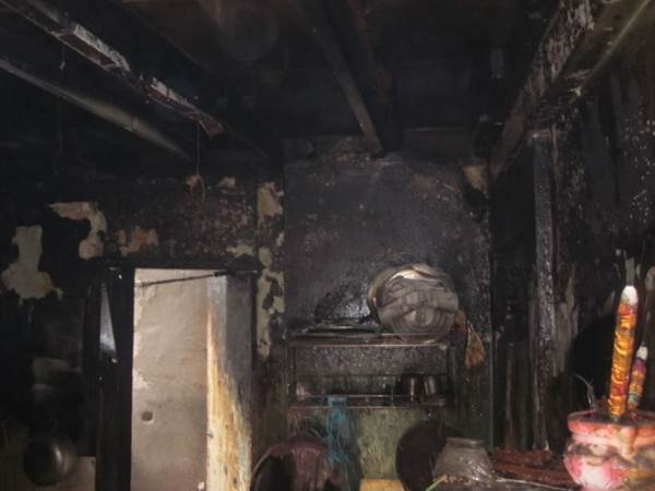 Thay bình gas cháy quán cơm, 2 người bị bỏng nặng - Ảnh 3