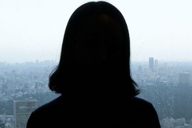 Cuộc đời đau khổ của bé gái 12 tuổi bị hơn chục gã đàn ông xếp hàng chờ đến lượt để cưỡng bức - Ảnh 2
