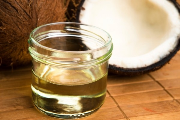 Răng trắng, chắc khoẻ, hơi thở thơm tho với kem đánh răng từ dầu dừa hiệu quả
