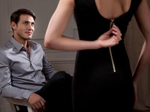 Học 'gái hư' bí quyết  quyến rũ đàn ông trên giường khiến chồng cả đời mê mệt, có đuổi cũng không rời - Ảnh 1