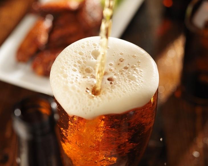 Bia và những công dụng tuyệt vời có thể bạn chưa biết - Ảnh 1