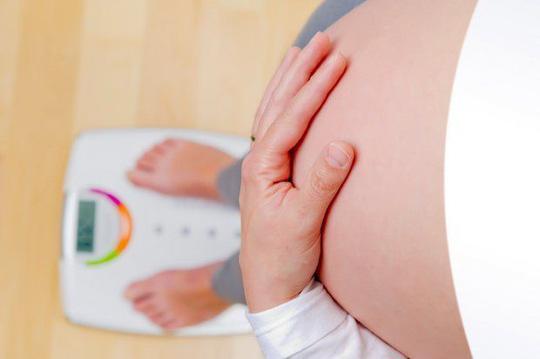 dau lung khi mang thai thang cuoi 4