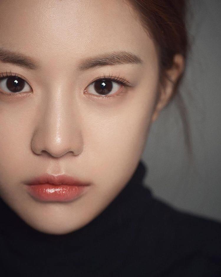 Ngắm nhan sắc đỉnh cao của Go Youn Jung - 1 trong 3 hình mẫu phẫu thuật thẩm mỹ mới nhất của Hàn Quốc - Ảnh 3