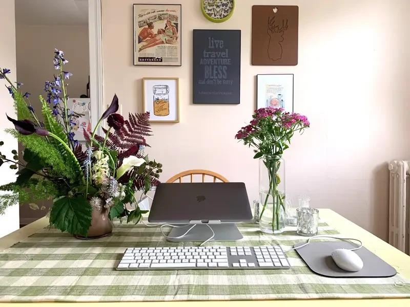 Góc làm việc tạo cảm hứng sáng tạo khi phải ở nhà vì Covid-19 - Ảnh 1