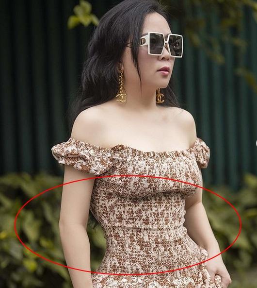 Phượng Chanel bị bóc mẽ photoshop da trắng toát, đầu gối biến mất - Ảnh 3