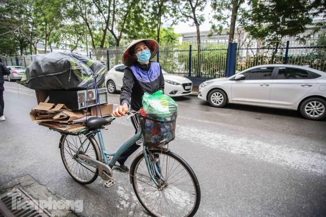 Sau 'ATM gạo', Hà Nội có thêm 'siêu thị 0 đồng' dành cho người nghèo chống COVID-19 - Ảnh 15