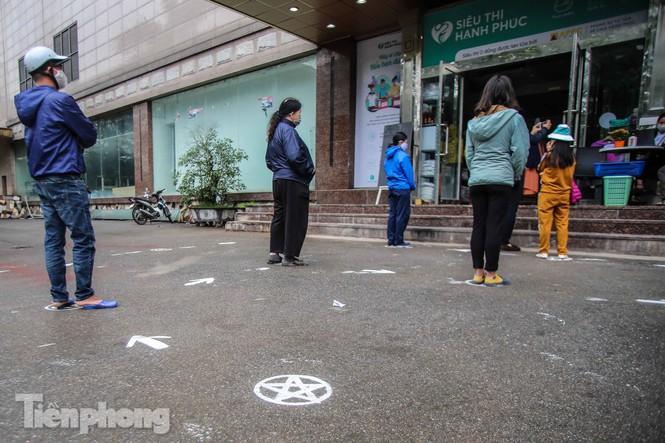 Sau 'ATM gạo', Hà Nội có thêm 'siêu thị 0 đồng' dành cho người nghèo chống COVID-19 - Ảnh 2