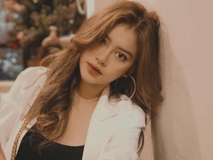 Hiếm hoi xuất hiện bên người bố nổi tiếng, con gái NSƯT Kim Tử Long gây 'sốt' với nhan sắc xinh như hotgirl - Ảnh 5